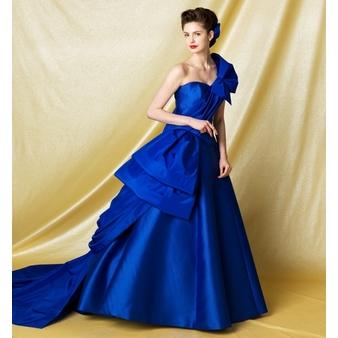 ドレス. 80F18B2D,DF50,448C,B22D,75345CC274ED