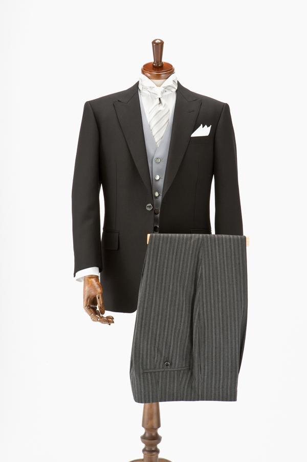 悩みは種類の少なさだけじゃない!意外と難しい新郎衣装の決め方マニュアル