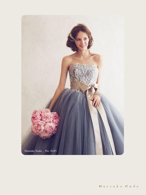 (2)落ち着いたカラードレス×ピンクのブーケ